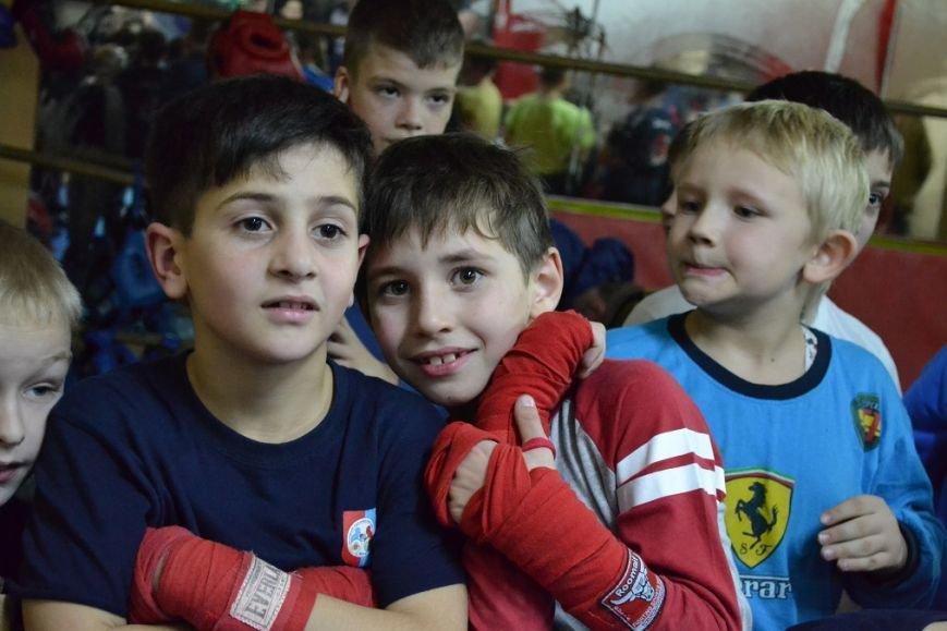 В преддверии Нового года в Гаспре поздравили юных  боксёров, фото-1