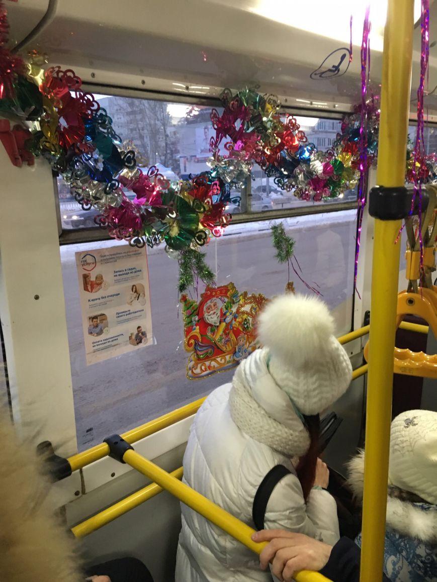 Новогодние троллейбусы появились в Заволжье, фото-1