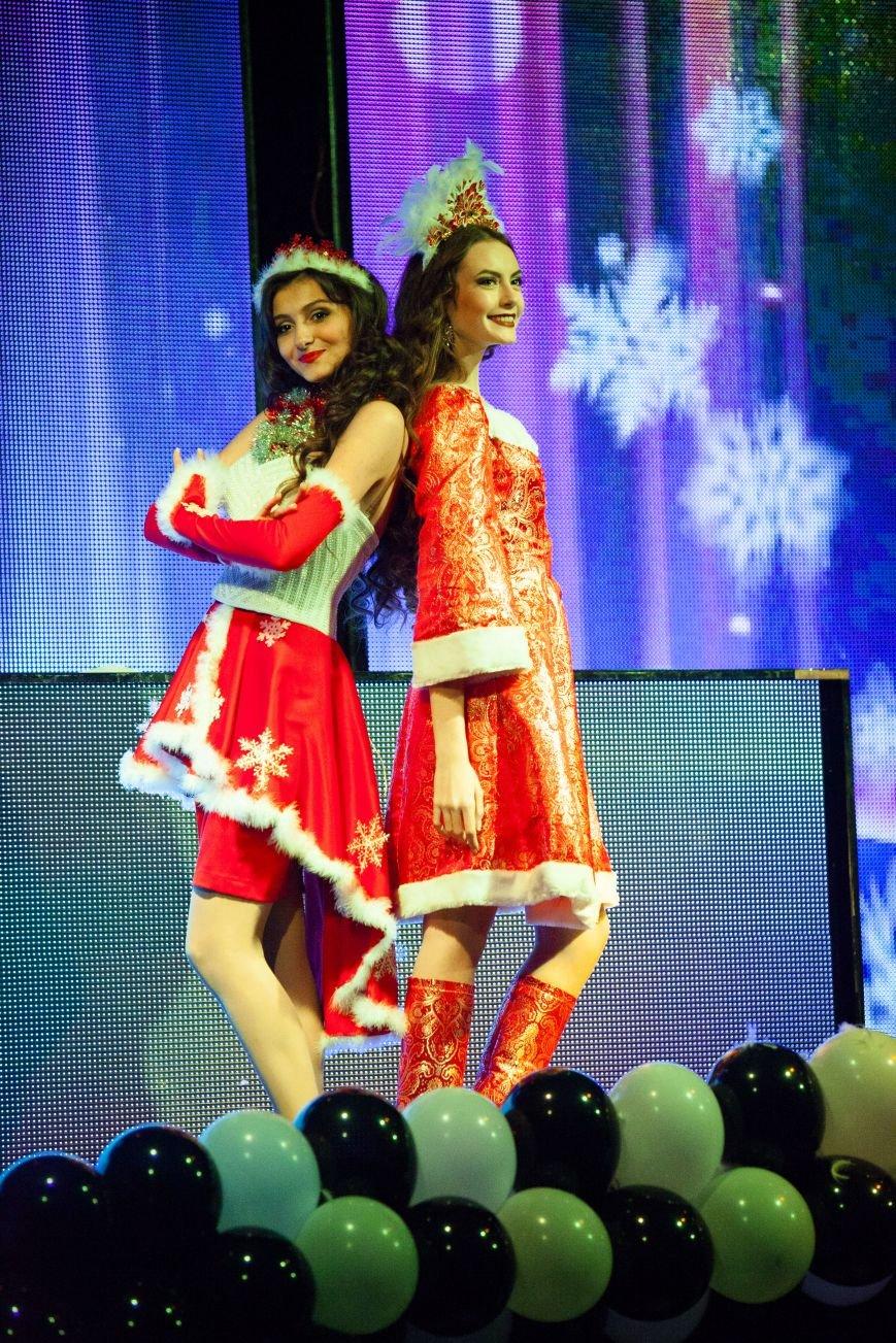 В Ялте  выбрали самую красивую и талантливую студентку, фото-5