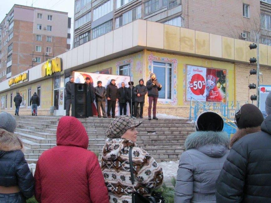 В Кривом Роге прославляли Бога за рождение Иисуса и молились за мир в Украине (ФОТО), фото-2