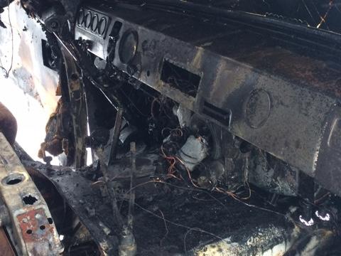 Под Ульяновском на дороге загорелся УАЗ с людьми. ФОТО, фото-2