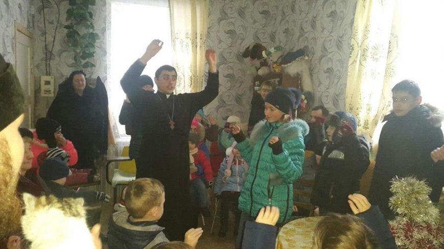 Священнослужители устроили праздник для инвалидов (фото), фото-2