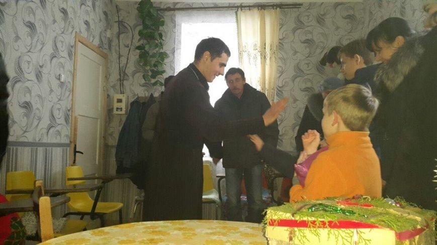 Священнослужители устроили праздник для инвалидов (фото), фото-4