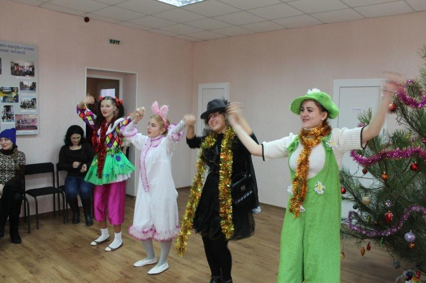 С Новогодними праздниками поздравили детей с особыми потребностями, фото-6
