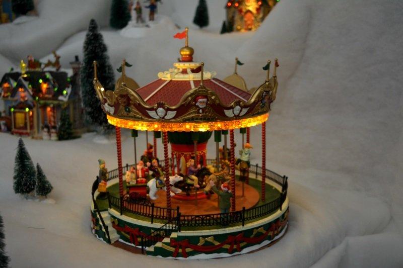 «Музей елочных игрушек» в Новополоцке: фотогалерея лучших экспонатов, фото-1