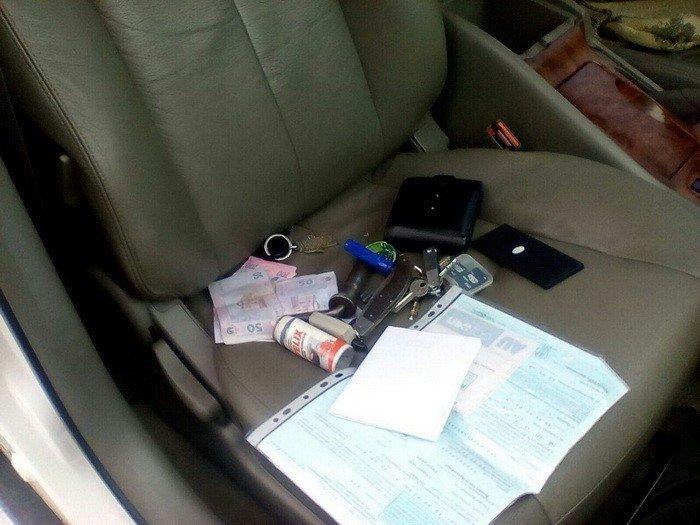В Донецкой области задержали полицейского, который вымогал деньги с рыночных торговцев (ФОТО), фото-1