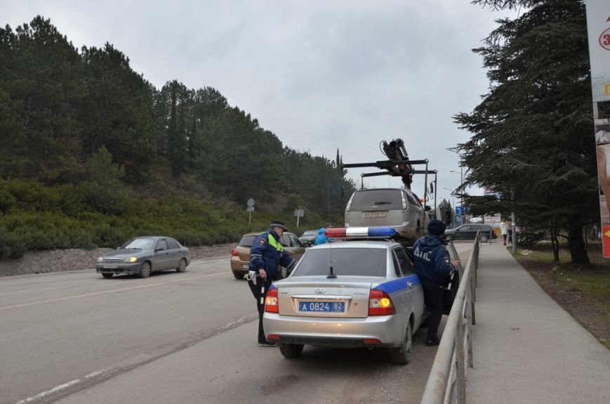 На улицах города заработали первые автоэвакуаторы (3)
