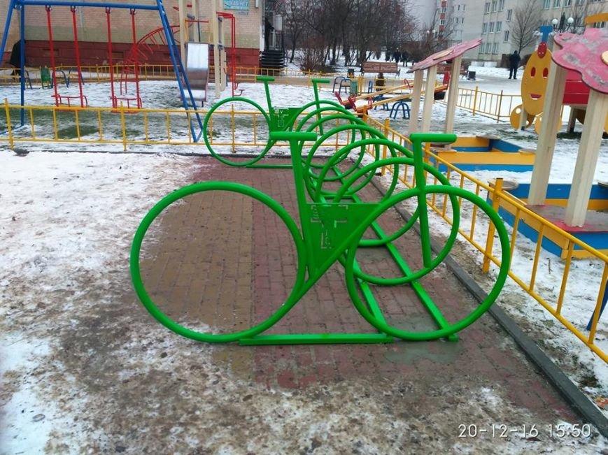 У Тернополі з'явились нові велопарковки (ФОТО), фото-2