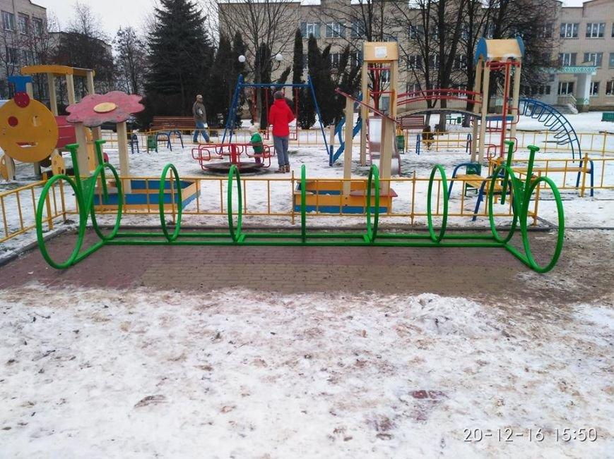 У Тернополі з'явились нові велопарковки (ФОТО), фото-1