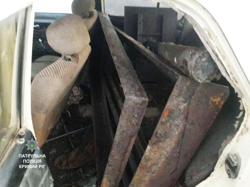 В Кривом Роге сторожа вывозили с кладбища металл (ФОТО), фото-2