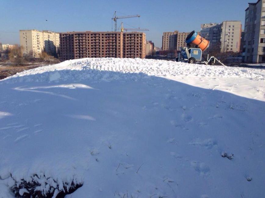 У Тернопіль привезли снігову гармату із новими технологіями, фото-1
