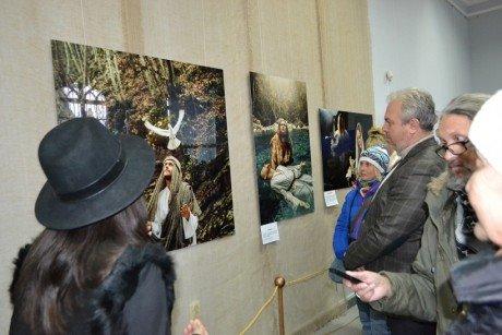 В Алупкинском музее-заповеднике открылась фотовыставка «Простые Святые», фото-1
