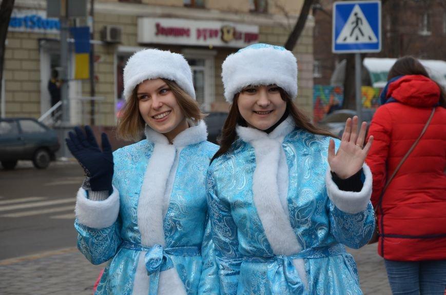 Сказочные герои гуляли по Театральной площади в Мариуполе (ФОТО), фото-7