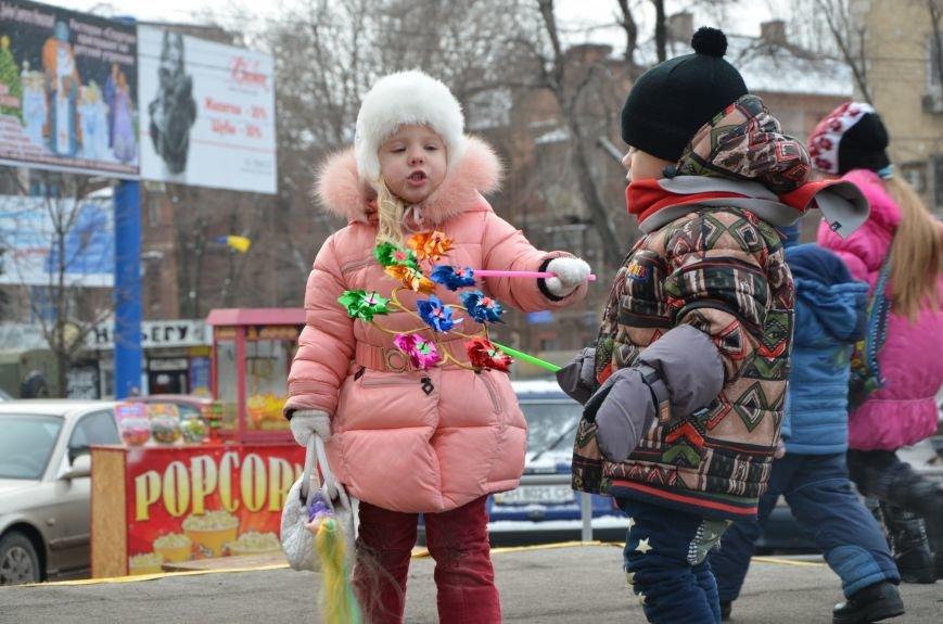 Сказочные герои гуляли по Театральной площади в Мариуполе (ФОТО), фото-12