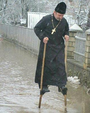 священик