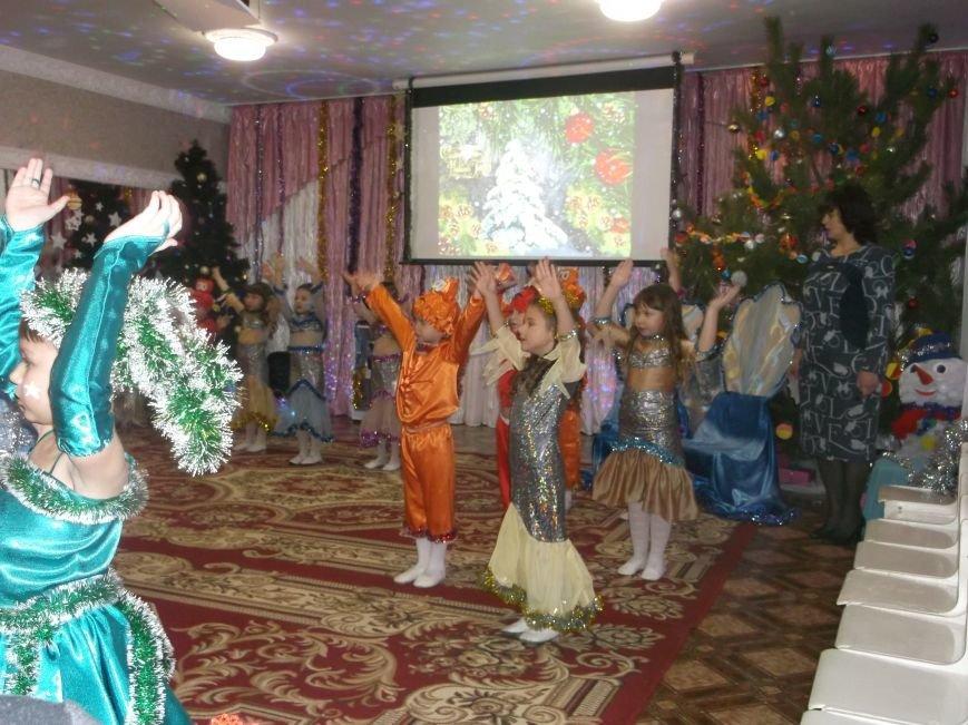 Секретарь Каменского горсовета посетил новогодний праздник в детском садике, фото-2