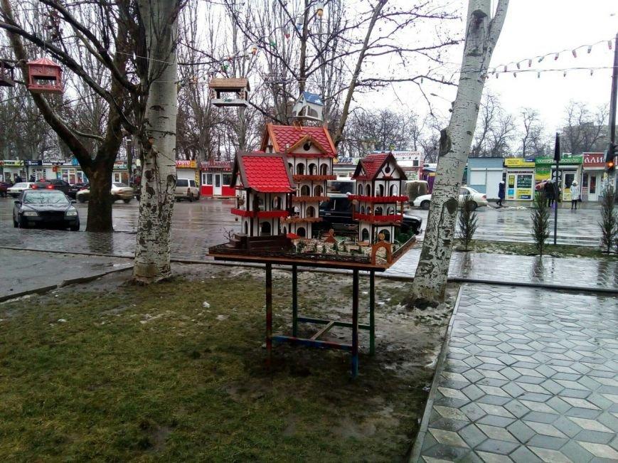 "В Мелитополе появилась ""элитная кормушка"" (фото), фото-1"
