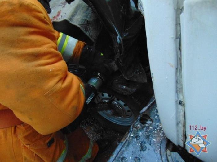 В Городокском районе лоб в лоб столкнулись УАЗ и ГАЗ: два человека госпитализированы, фото-1