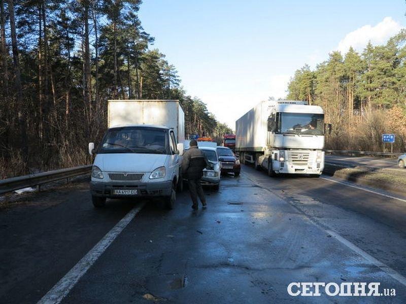 5 в 1: на об'їзній дорозі поблизу Броварів сталася аварія (Фото), фото-1