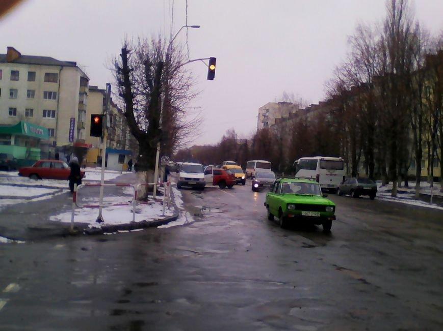 У Новограді-Волинському сталася дорожньо-транспортна пригода (ФОТО, ВІДЕО), фото-2