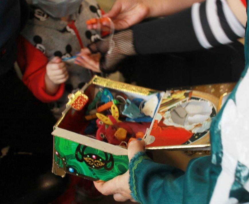 В Ялтинскую детскую больницу приехал Дед Мороз на скейтборде, фото-1