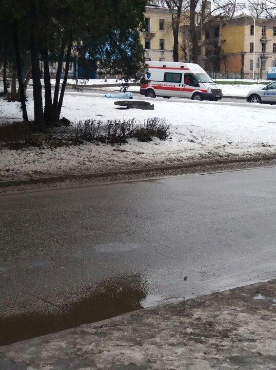 В Каменском на улице было обнаружено тело мужчины, фото-1