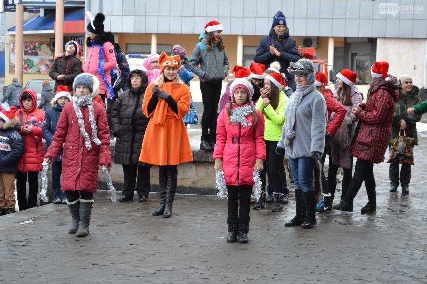 На Левобережье Каменского открыли новогоднюю елку, фото-3