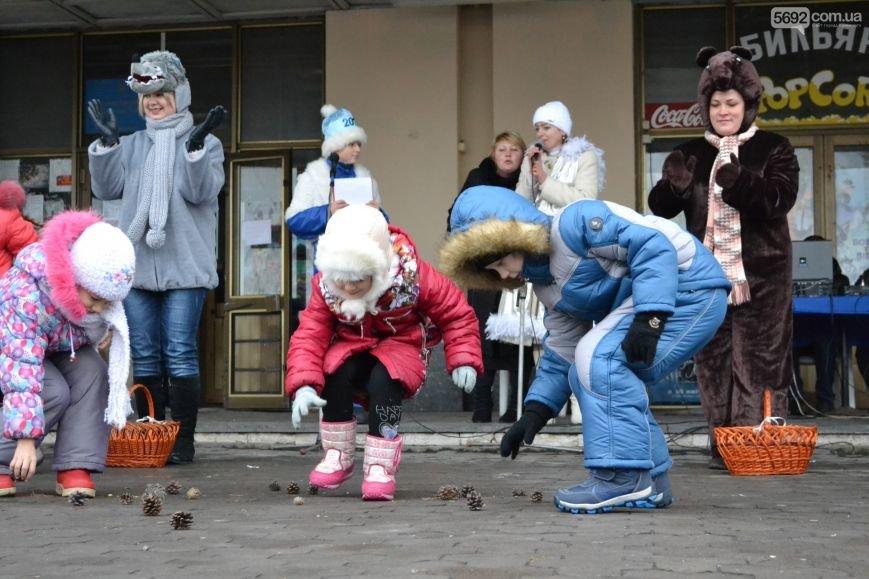 На Левобережье Каменского открыли новогоднюю елку, фото-8