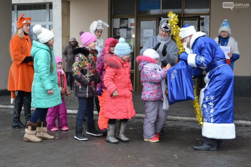 На Левобережье Каменского открыли новогоднюю елку, фото-9