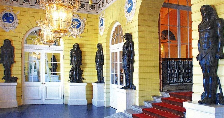 египетский вестибюль