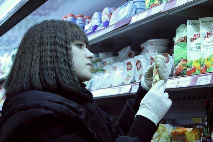 Белорусские санитары продовольствия активно штурмуют витебские универсамы: «Хватит нас травить!», фото-4