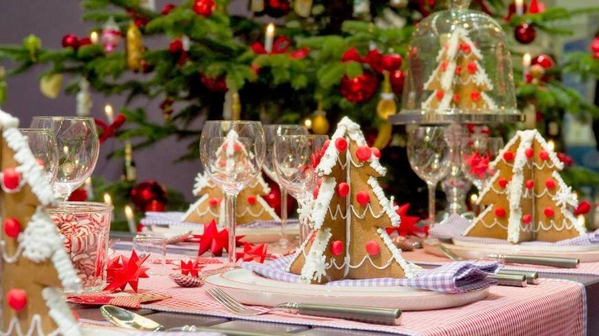praimer-sarvirovki-novogodnego-stola