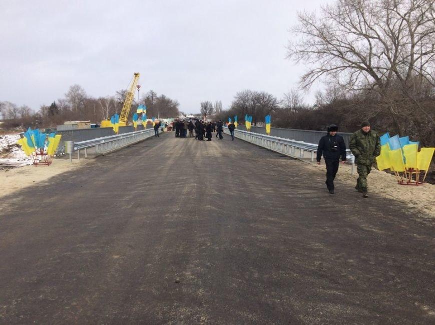 В Северске восстановлен разрушенный мост, фото-1