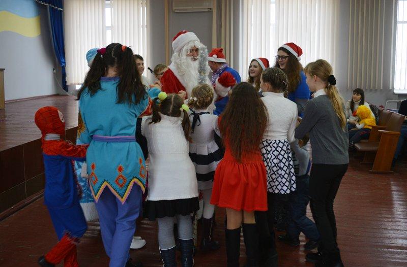 Детей правоохранителей Покровска поздравили с новогодними праздниками, фото-9