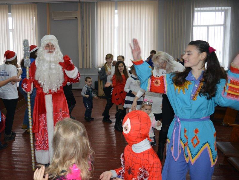 Детей правоохранителей Покровска поздравили с новогодними праздниками, фото-7