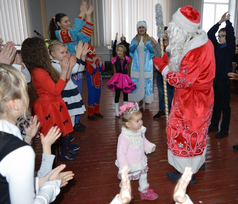 Детей правоохранителей Покровска поздравили с новогодними праздниками, фото-8