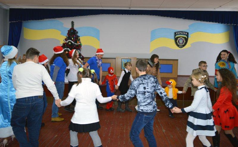 Детей правоохранителей Покровска поздравили с новогодними праздниками, фото-3