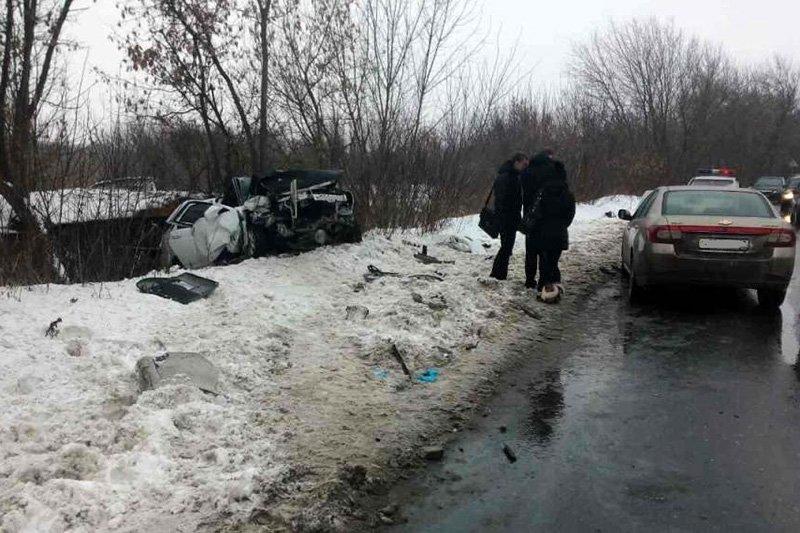ВБелгородской области из-за оторвавшегося от«КамАЗа» колеса случилось  ДТП