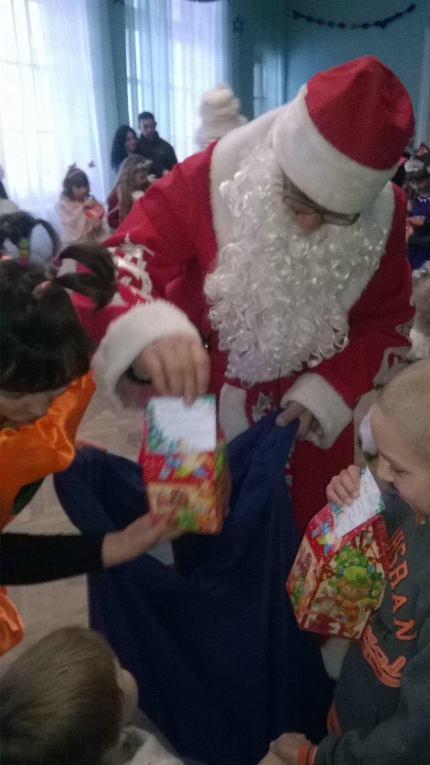 Дети из пгт Красная Гора стали свидетелями Новогоднего чуда, фото-2