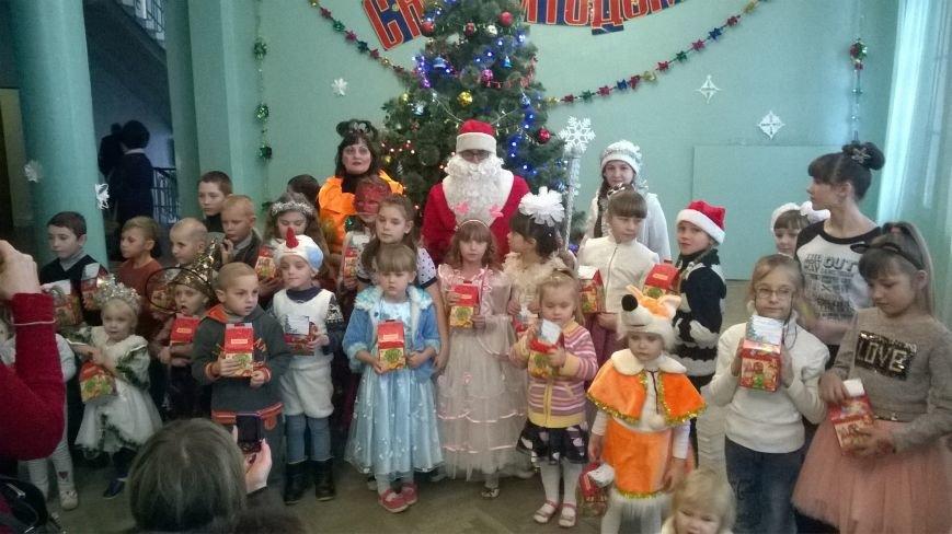 Дети из пгт Красная Гора стали свидетелями Новогоднего чуда, фото-1