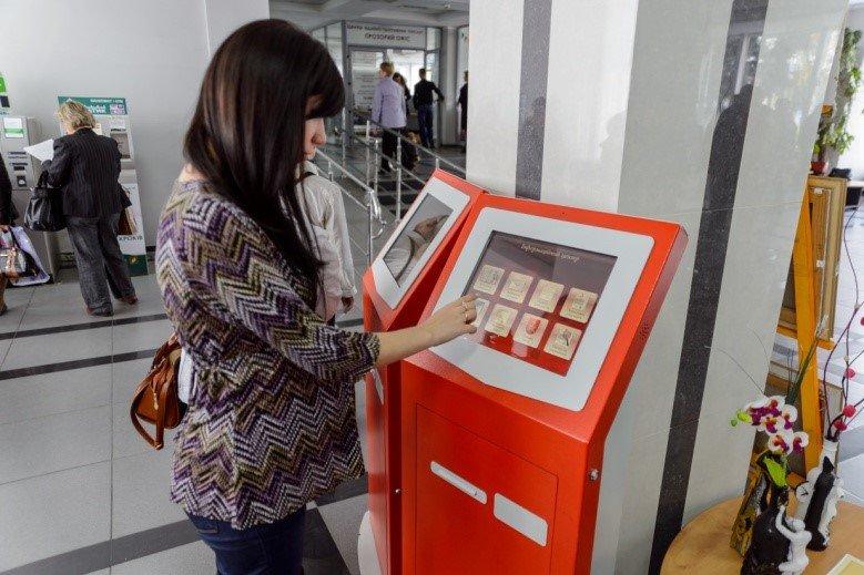 Після ремонту ужгородська мерія нагадуватиме банк з турнікетами та ліфтом, фото-2