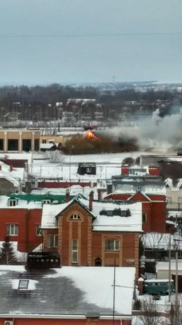 В Ульяновске горит кафе «Белуга». ФОТО, фото-2