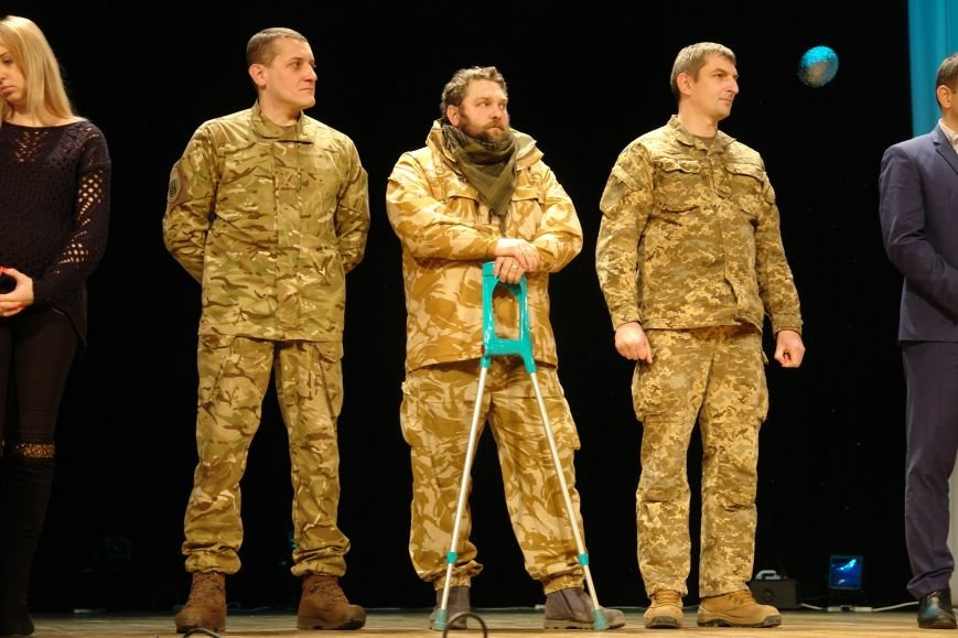 Ще два дестяки франківчан, які воювали в АТО, отримали власне житло. Фото, фото-10