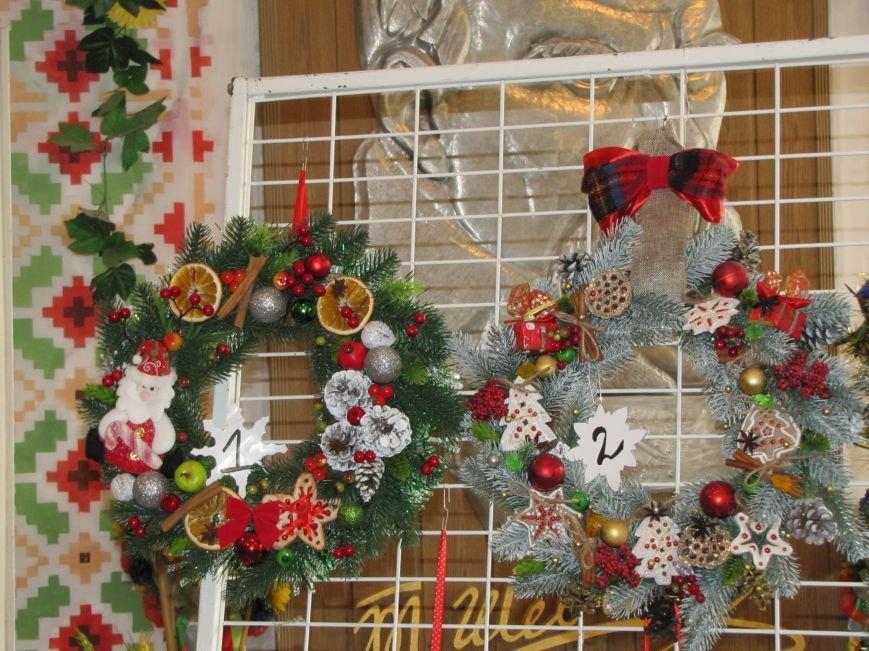 Определились три претендента на лучший рождественский венок  (фото), фото-1