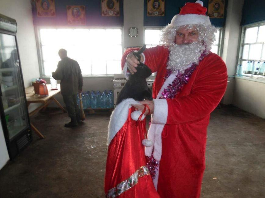Криворожский Дед Мороз привез бойцам в зону АТО  подарки к Новому году (ФОТО), фото-2