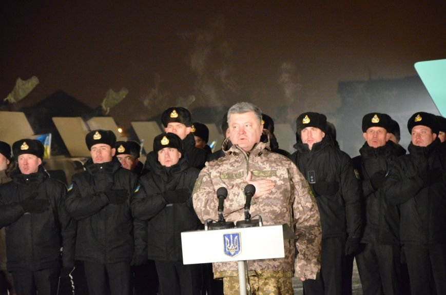 Президент Украины вручил подарок Донецкому погранотряду  в Мариуполе и останется встречать Новый год с военными (ФОТО+ВИДЕО+ДОПОЛНЕНО), фото-5