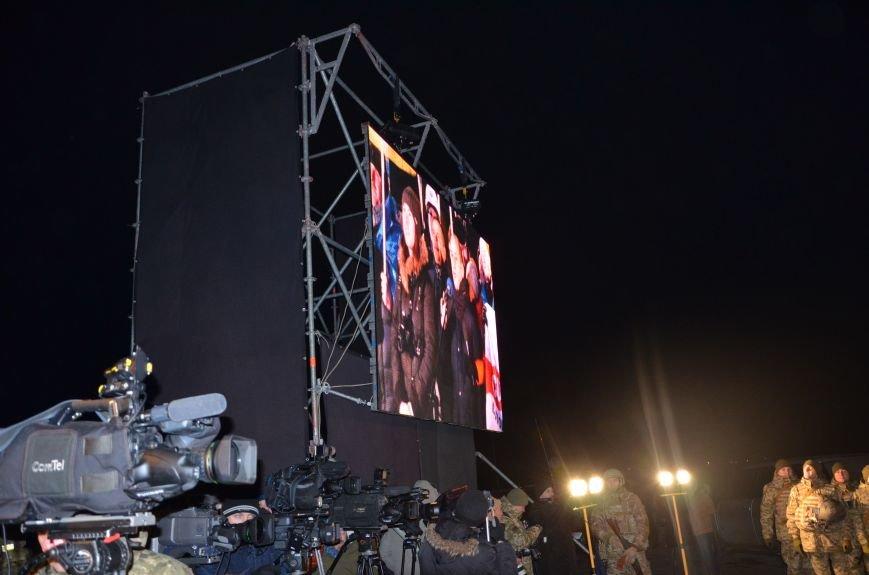 Президент Украины вручил подарок Донецкому погранотряду  в Мариуполе и останется встречать Новый год с военными (ФОТО+ВИДЕО+ДОПОЛНЕНО), фото-10