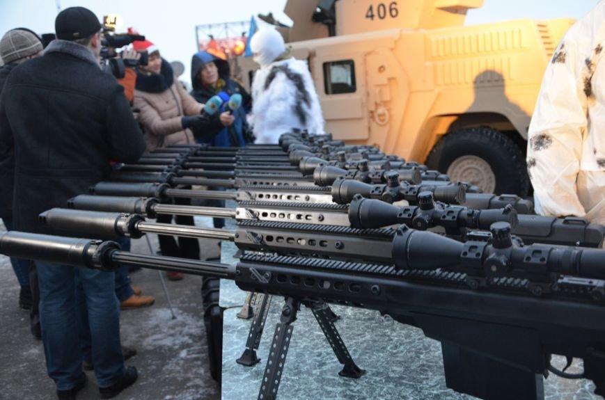Президент Украины вручил подарок Донецкому погранотряду  в Мариуполе и останется встречать Новый год с военными (ФОТО+ВИДЕО+ДОПОЛНЕНО), фото-17