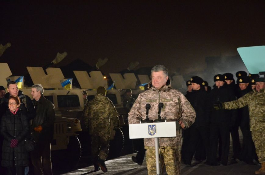 Президент Украины вручил подарок Донецкому погранотряду  в Мариуполе и останется встречать Новый год с военными (ФОТО+ВИДЕО+ДОПОЛНЕНО), фото-4