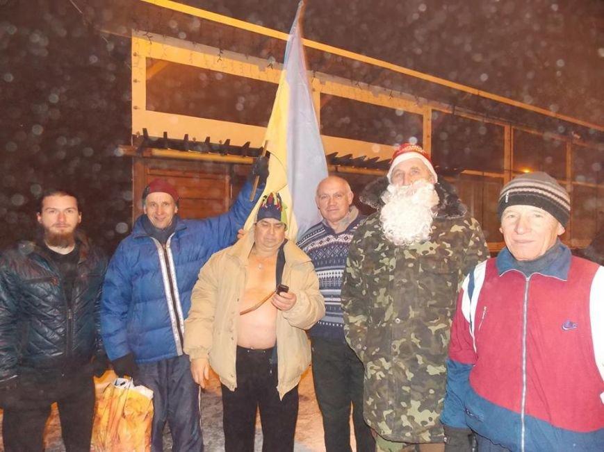 В Бердянске экстремалы провели традиционный Новогодний заплыв, фото-5